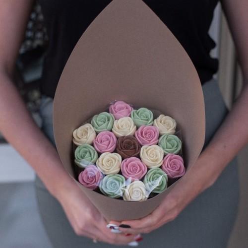 Розы шоколадные 19 шт  03
