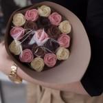 Розы шоколадные 19 шт 01