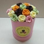 Шоколадные розы в коробке маленькие 19 шт