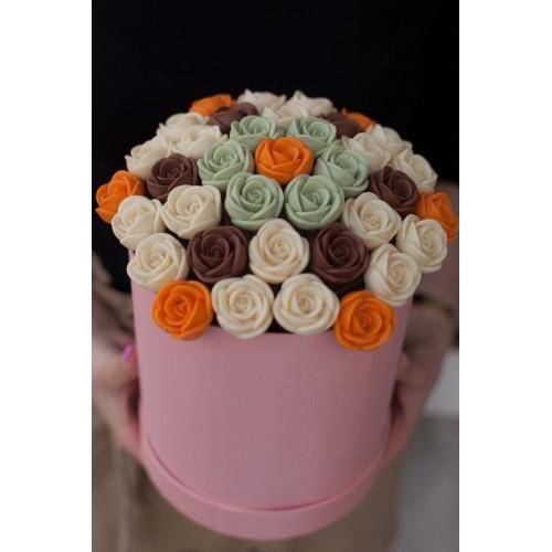 Розы шоколадные маленькие в коробке 37 шт 02